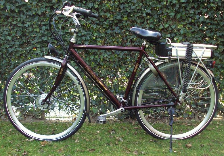 Koga miyata Grand tour Omgebouwd met standaard Rollerbrake ombouwset elektrische fiets.