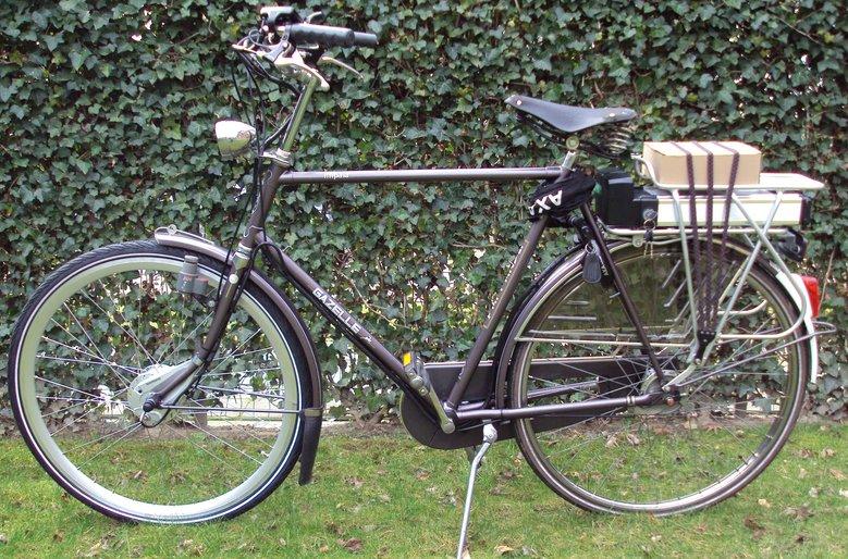 Gazelle Impala omgebouwd met standaard Roller-brake ombouwset elektrische fiets.