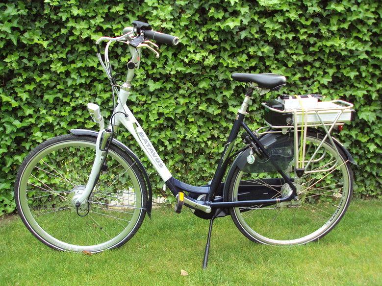 Batavus Toledo met standaard Rollerbrake ombouwset en DC-DC omvormer.