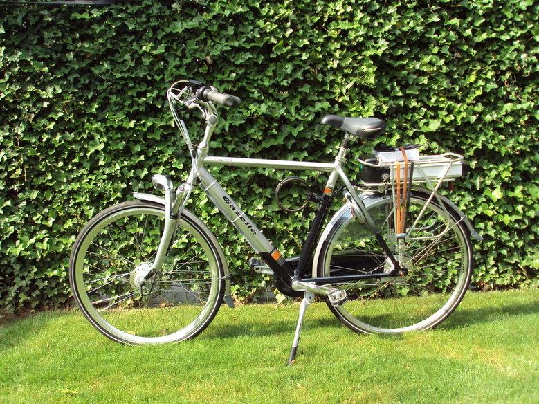 Gazelle Orange met standaard rollerbrake set en dc-dc omvormer.